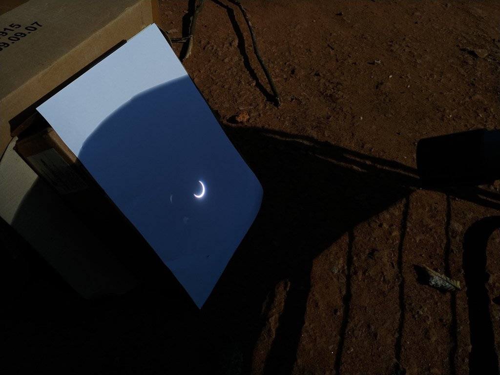 Solar_eclipse_on_Paper_LoRes