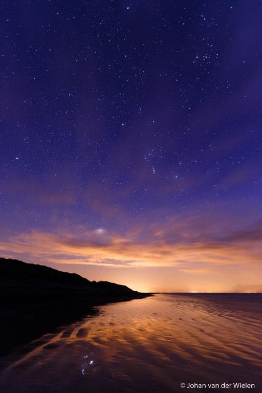 sterrenhemel boven het noordzee strand