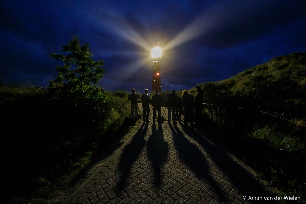 's Avonds gaan we naar de vuurtoren, een eerste kennismaking met nachtfotografie. Bij helder weer vertrekken we de kwelder in op zoek naar sterren...