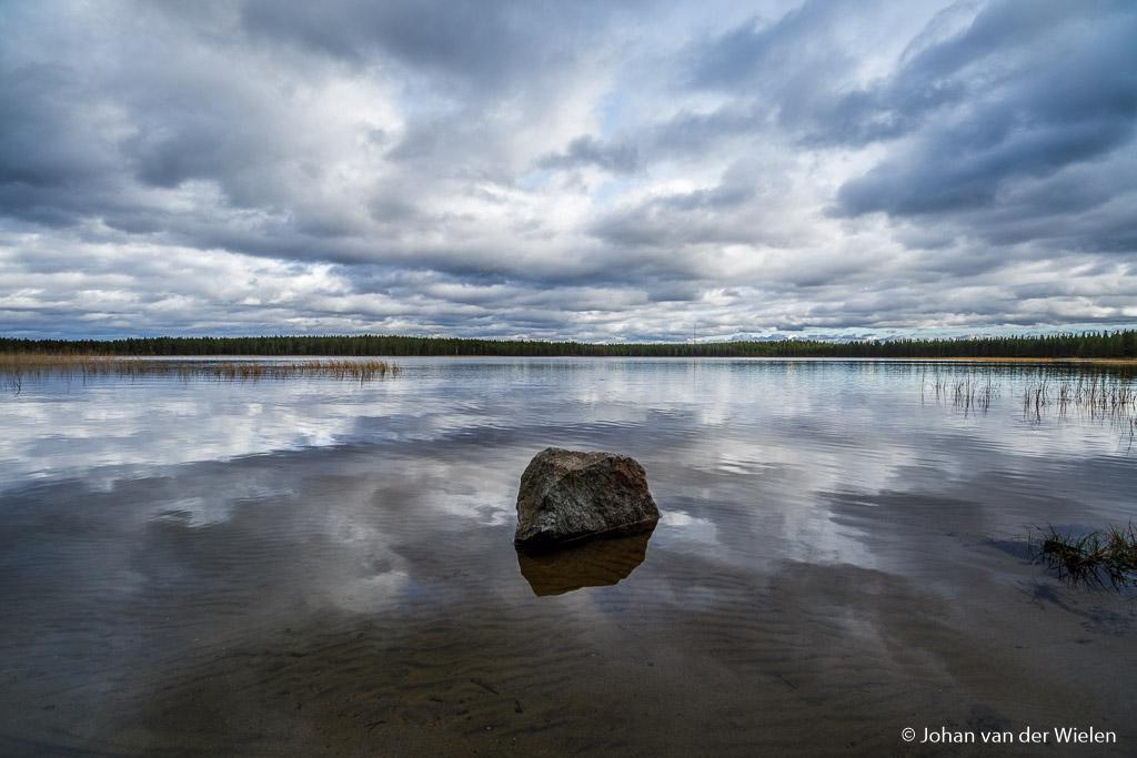 Even genieten van mooie dreigende luchten en reflecties, daar wordt je als fotograaf toch gelukkig van.