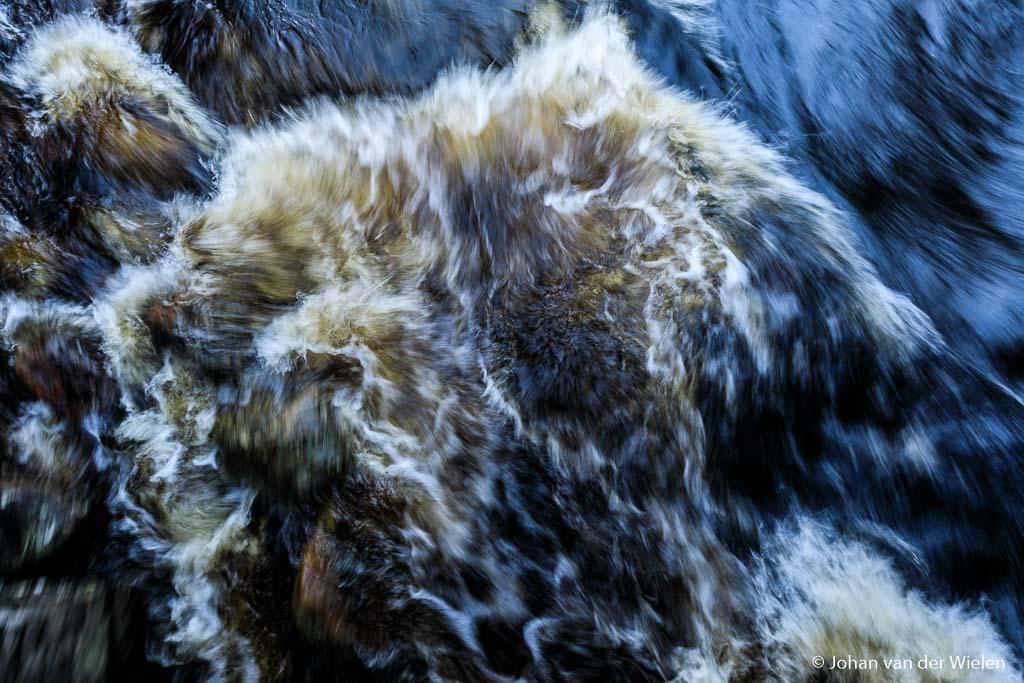 Hoe leg je de dynamiek van langsstromend water vast?