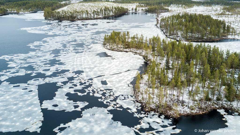 Terug in de tijd, het winterse landschap vanuit de lucht gezien
