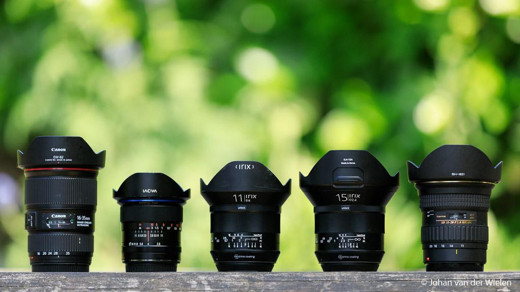 Vergelijkingsmateriaal op groothoek gebied om te zien hoe groot en breed de Irix 11mm (middelste lens) nu wel niet is. Daarom zie je hierboven van links naar rechts: de Canon 16-35mm f/4.0L IS USM, de Laowa 12mm f/2.8 Zero-D, de Irix 11mm f/4.0 Blackstone, de Irix 15mm f/2.4 Blackstone en de Tokina 11-20mm f/2.8 AT-X PRO DX SD lens.