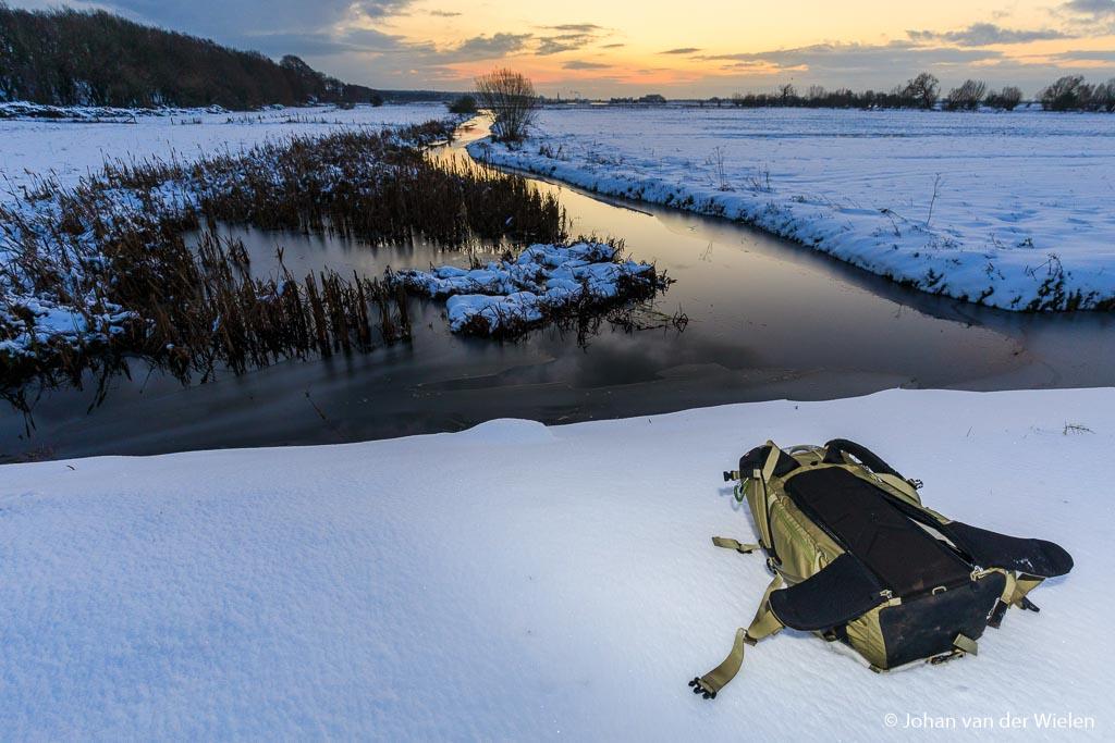 Zonder pardon je tas in de sneeuw smijten zonder dat je achteraf last heb van sneeuw in je nek of een vieze rug.
