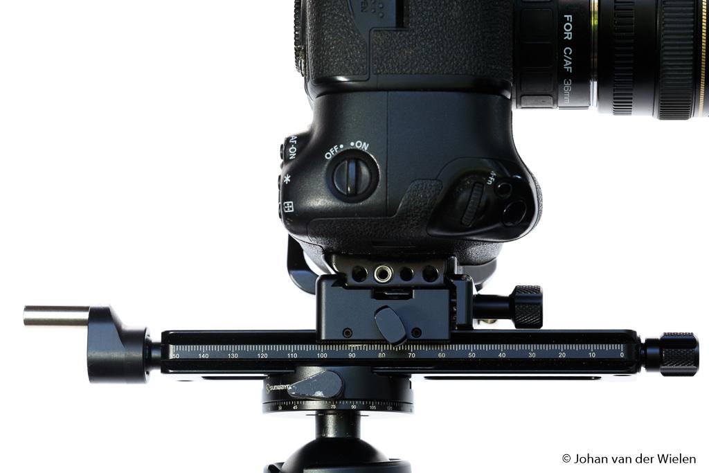 Met een macro focussing rail kun je heel secuur de camera naar voren en achteren bewegen voor de perfecte scherpstelling bij grotere vergrotingen.