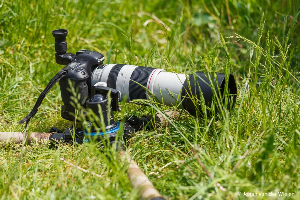 Voordelen onafhankelijk poten en geen middenpoot… perfect bruikbaar voor macro fotografie of fotografie vanaf maaiveld (denk aan dieren in het veld).