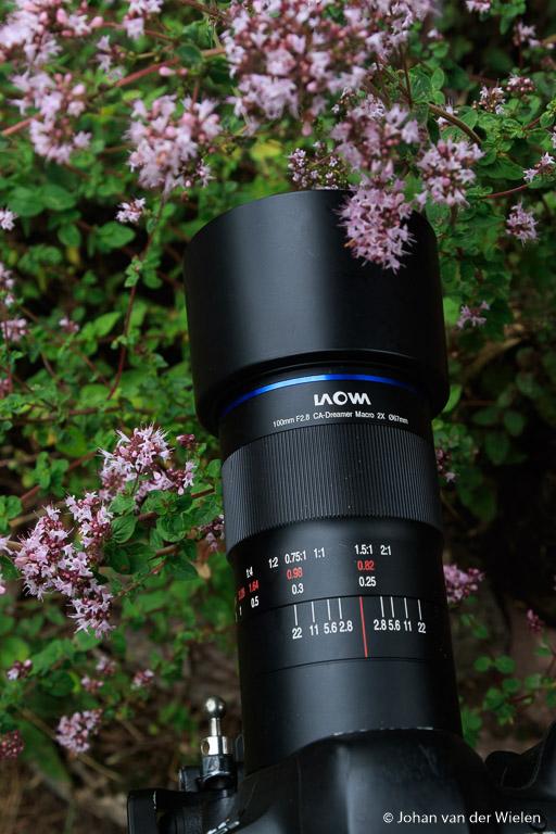 Een oerdegelijk ontwerp van een metalen lens zonder scherpe randjes.