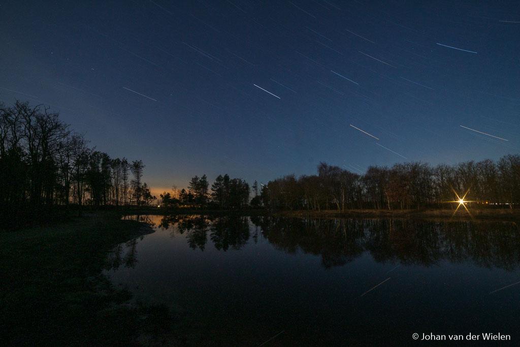 Sterrensporen Ameland, één foto van totaal 30 minuten (12mm f/16, ISO 800).